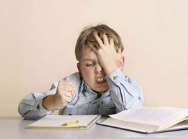 بررسی نقش خانواده در پیشرفت تحصیلی دانش آموزان دیر آموز