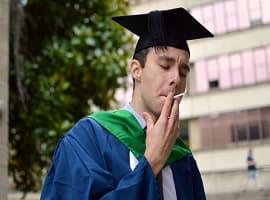 مقایسه ی بهداشت روانی دانشجویان سیگاری و غیر سیگاری